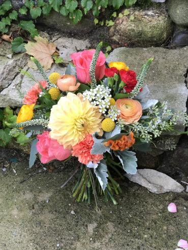 Bright bridal bouquet_2