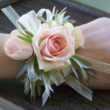Light Pink Spray Rose Corsage (C3)
