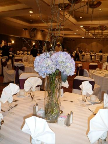 blue hydrangea table centerpiece
