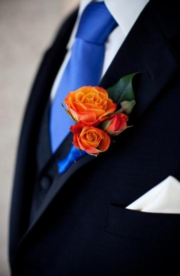 Spray Rose Boutonniere (B25)