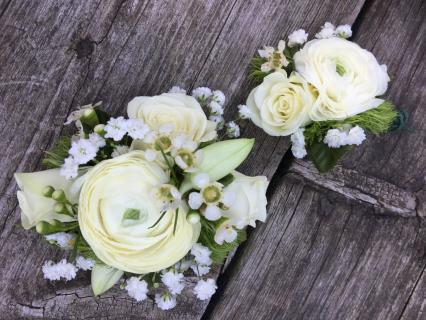 winter corsage and boutonniere
