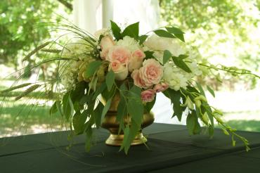 Spring_table arrangement