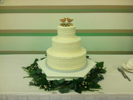 Cake table foliage