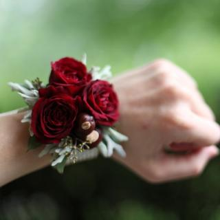 Red Spray Rose Wrist Corsage (C9)