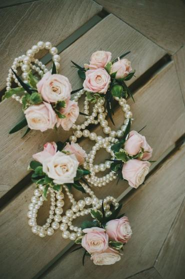 Classic Spray Rose Corsage (C17)